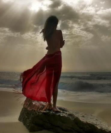 donna sul mare